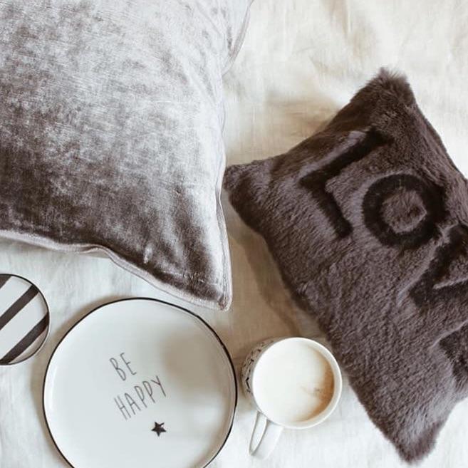 Pazar Keyfinizi Çay ve Kitapla Süsleyin: Kitap Tavsiyesi