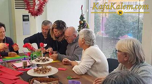 Türkiye'nin İlk Yaşlı Kreşi Üç Emekli Hemşire Tarafından İstanbul'da Açılıyor