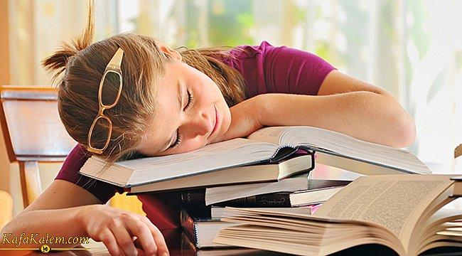 Kitap okurken uyumamak için neler yapmalıyız?